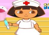 لعبة الممرضة دورا التي تعطي الحقن